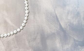 Dallo stucco metallico oro e argento nasce l'effetto perla